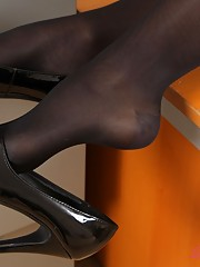 men wearing nylons videos